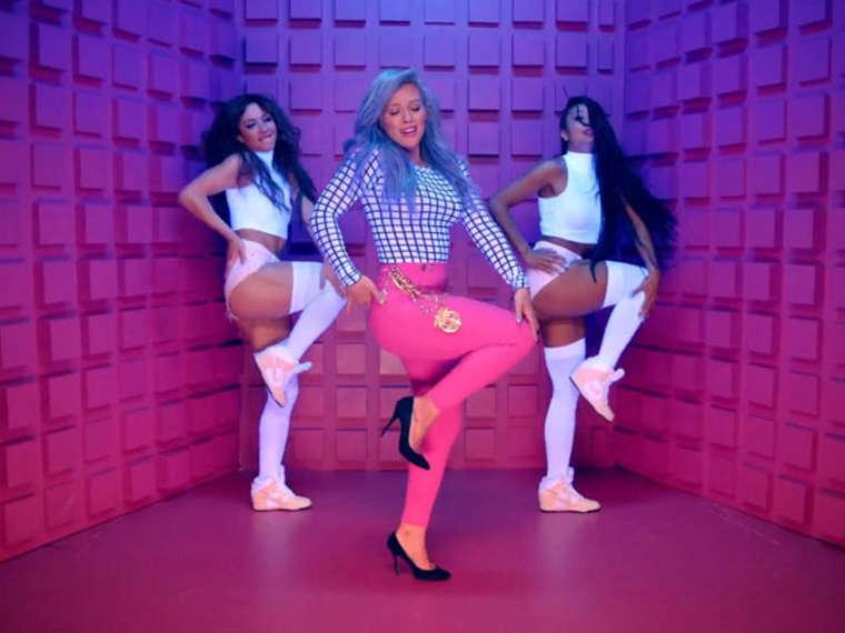 Hilary Duff 2015 : Hilary Duff Booty in Shorts -08