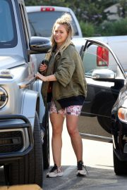 Hilary Duff - Spotted outside Joan's on Third in Studio City