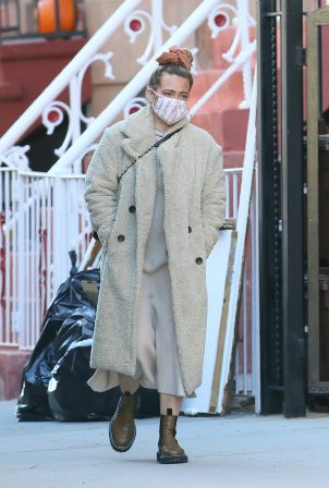 Hilary Duff - Spotted while out in New York