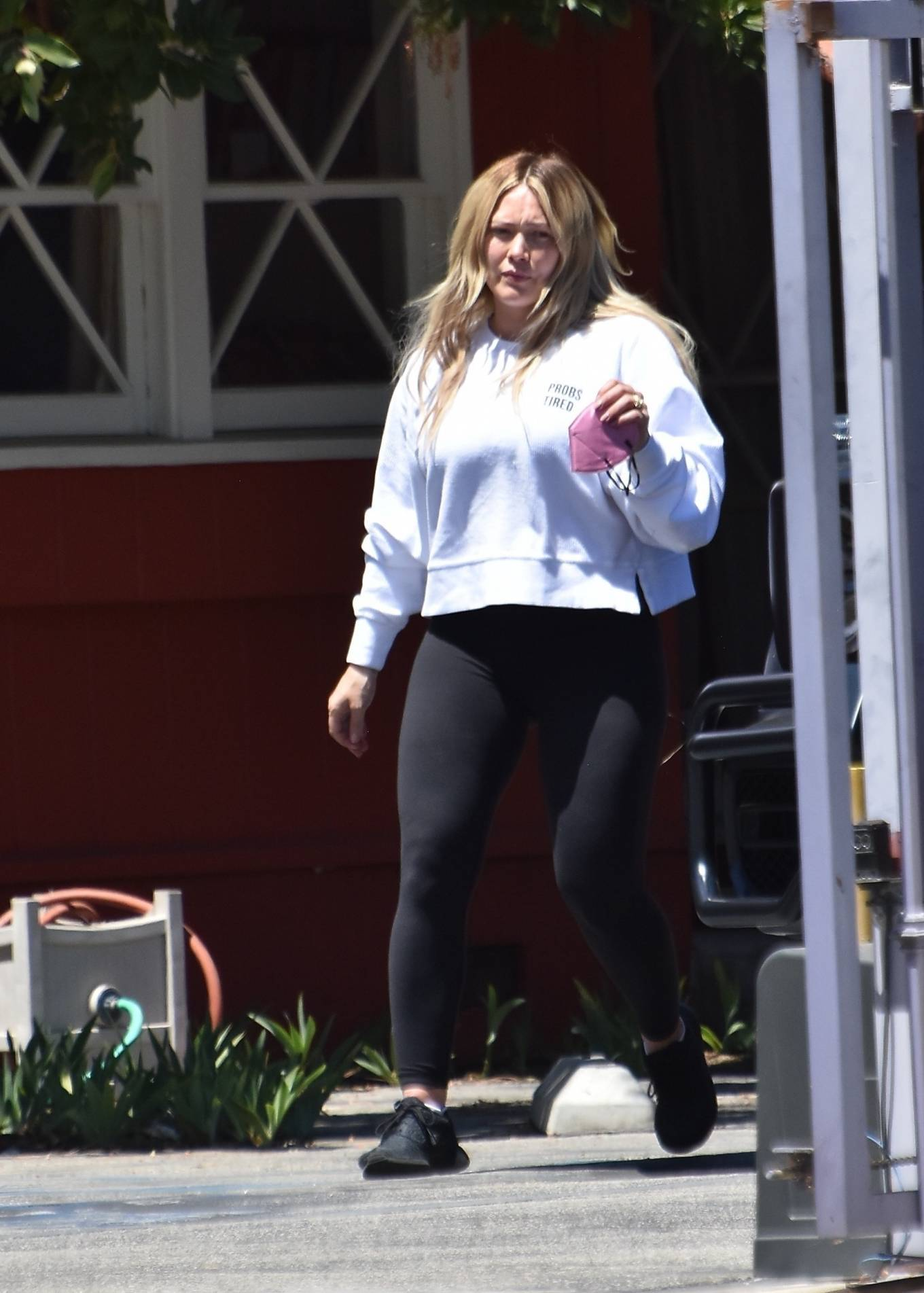 Hilary Duff 2021 : Hilary Duff – Steps out for some fresh fruit on the street in Studio City-01