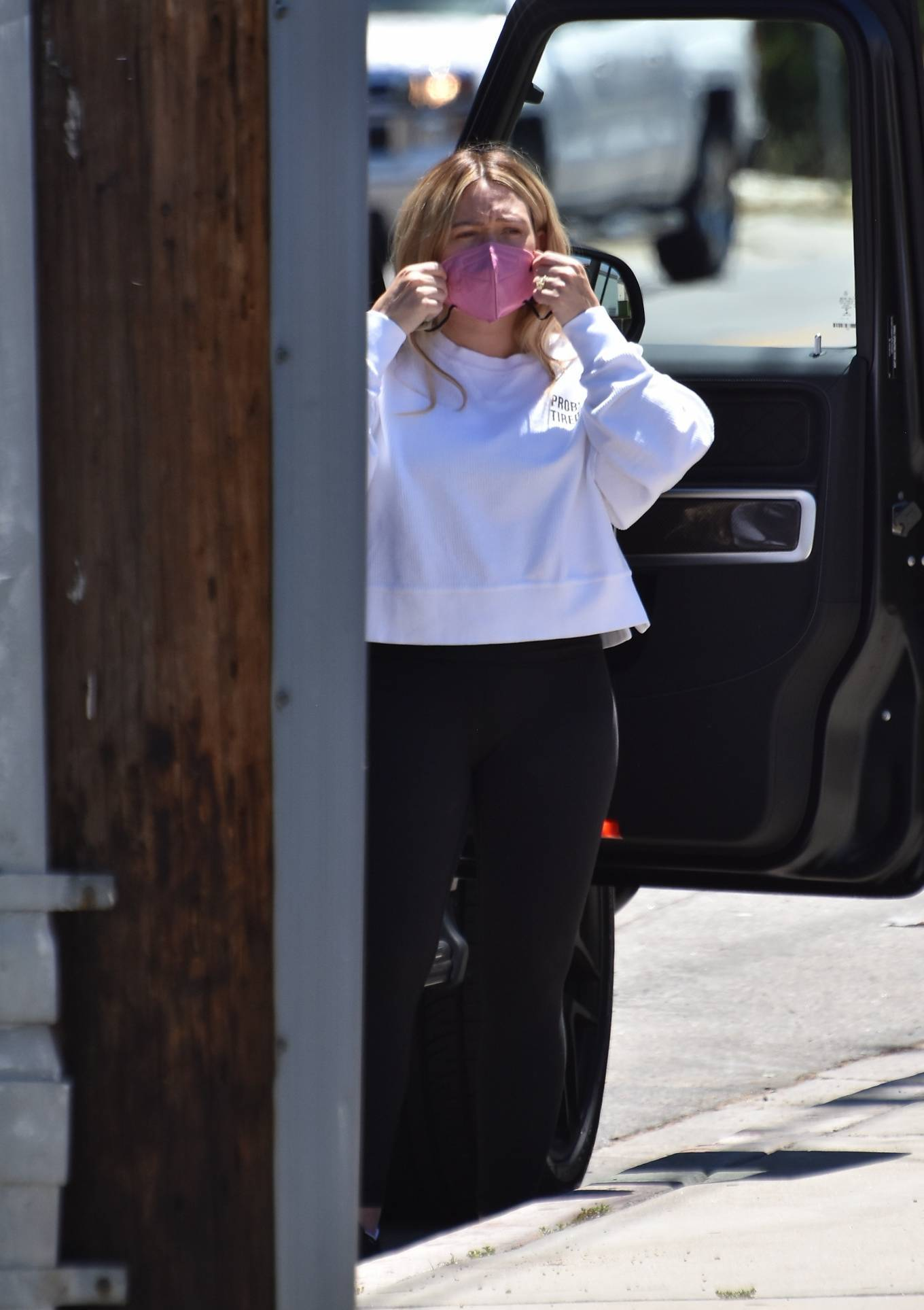 Hilary Duff 2021 : Hilary Duff – Steps out for some fresh fruit on the street in Studio City-09