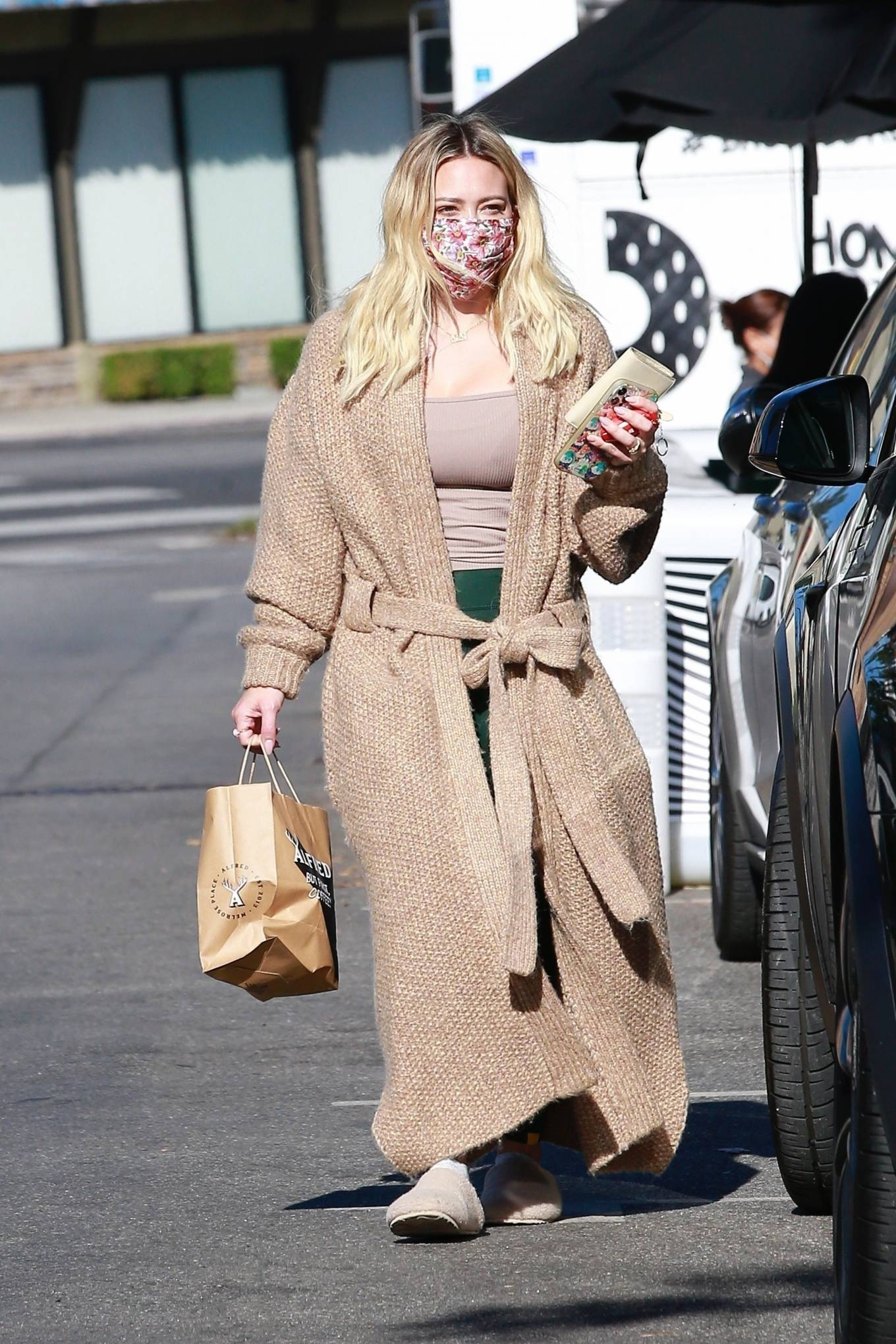 Hilary Duff - Steps out in Studio City