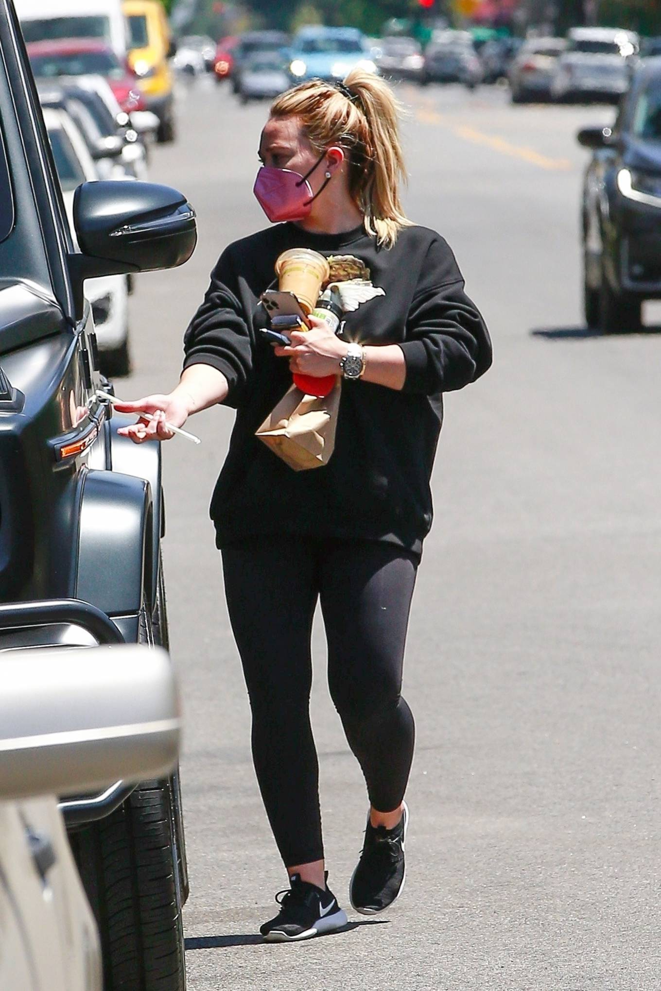 Hilary Duff 2021 : Hilary Duff – Stops for an iced coffee in Los Angeles-07