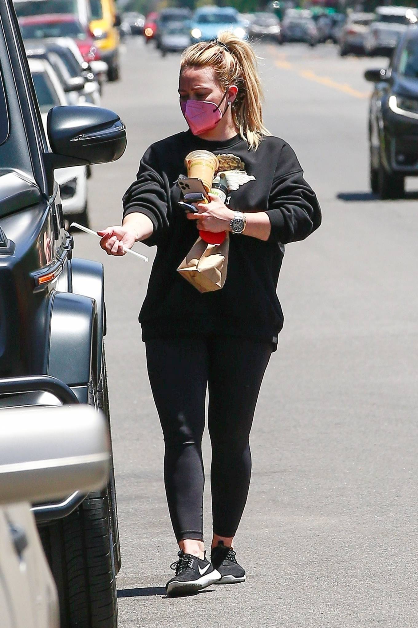 Hilary Duff 2021 : Hilary Duff – Stops for an iced coffee in Los Angeles-12