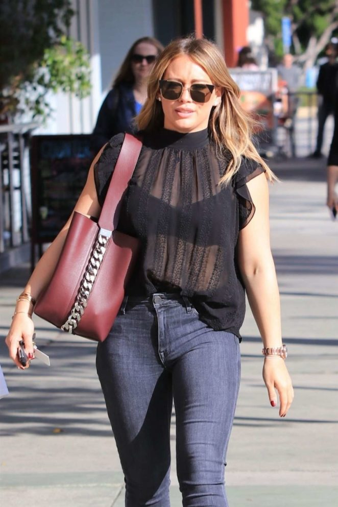 Hilary Duff - Takes her son Luca out for lunch in Studio City