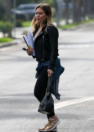 Hilary Duff - Visiting a residence in Santa Monica