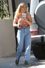 Hilary Duff - Visiting her mom in LA