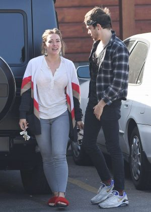 Hilary Duff with Matthew Koma in front of their veterinarian in LA