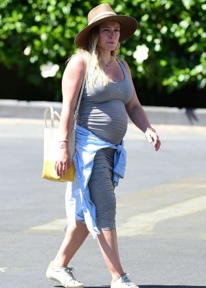 Hilary Duff - Without makeup out in Los Angeles