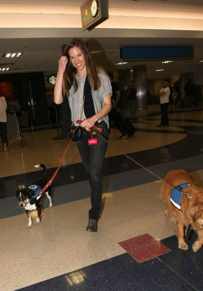Hilary Swank - Arriving with her dogs in Los Angeles