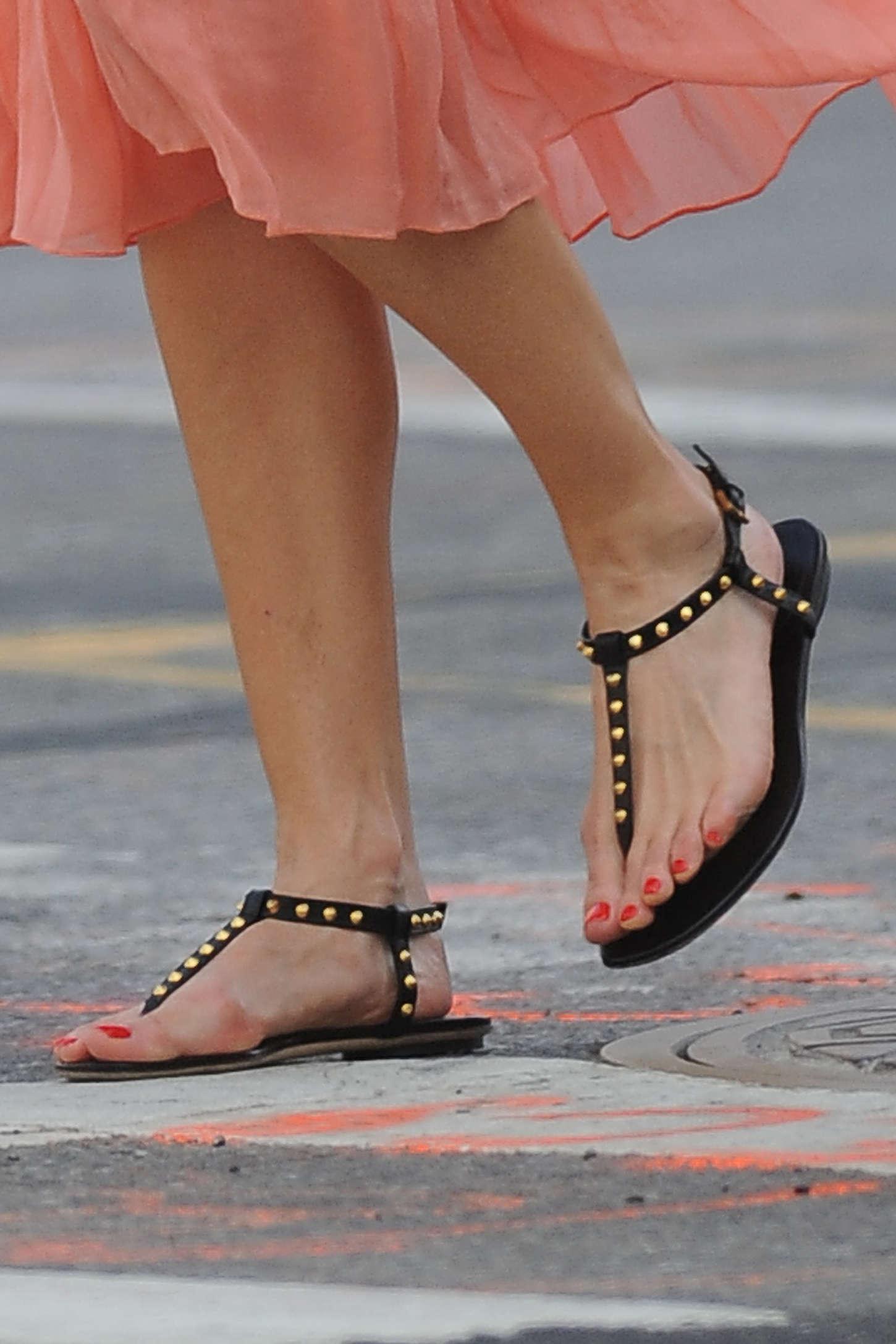 Swank feet hilary The Gift