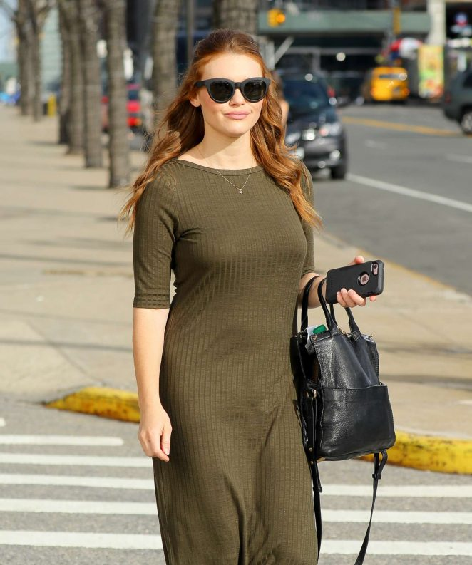 Holland Roden - Leaving The Jacob K. Javits Convention Center in NY