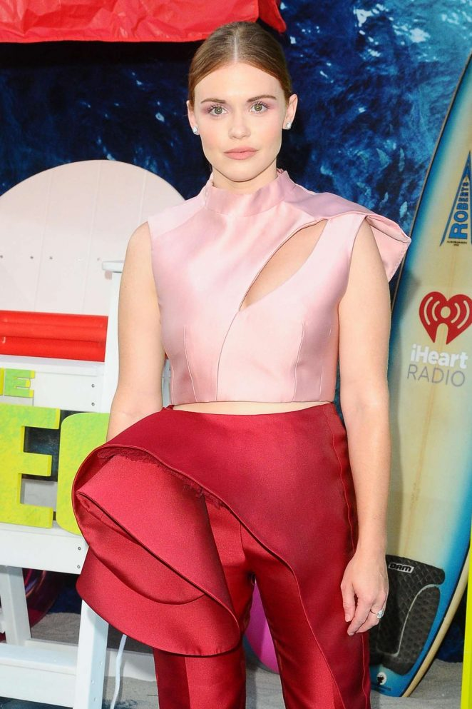 Holland Roden – 'The Meg' Premiere in Los Angeles