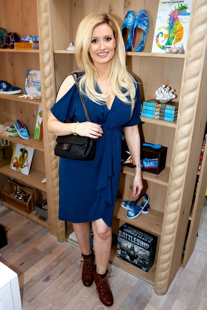 Holly Madison - Celebrities Come Out To Support The TOMS x Oceana Partnership in LA