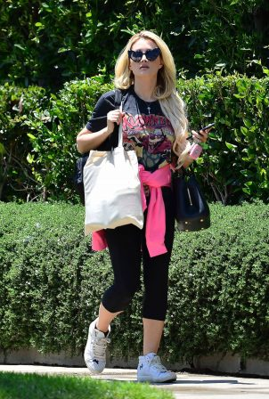 Holly Madison - Visit to a friends house in West Hollywood