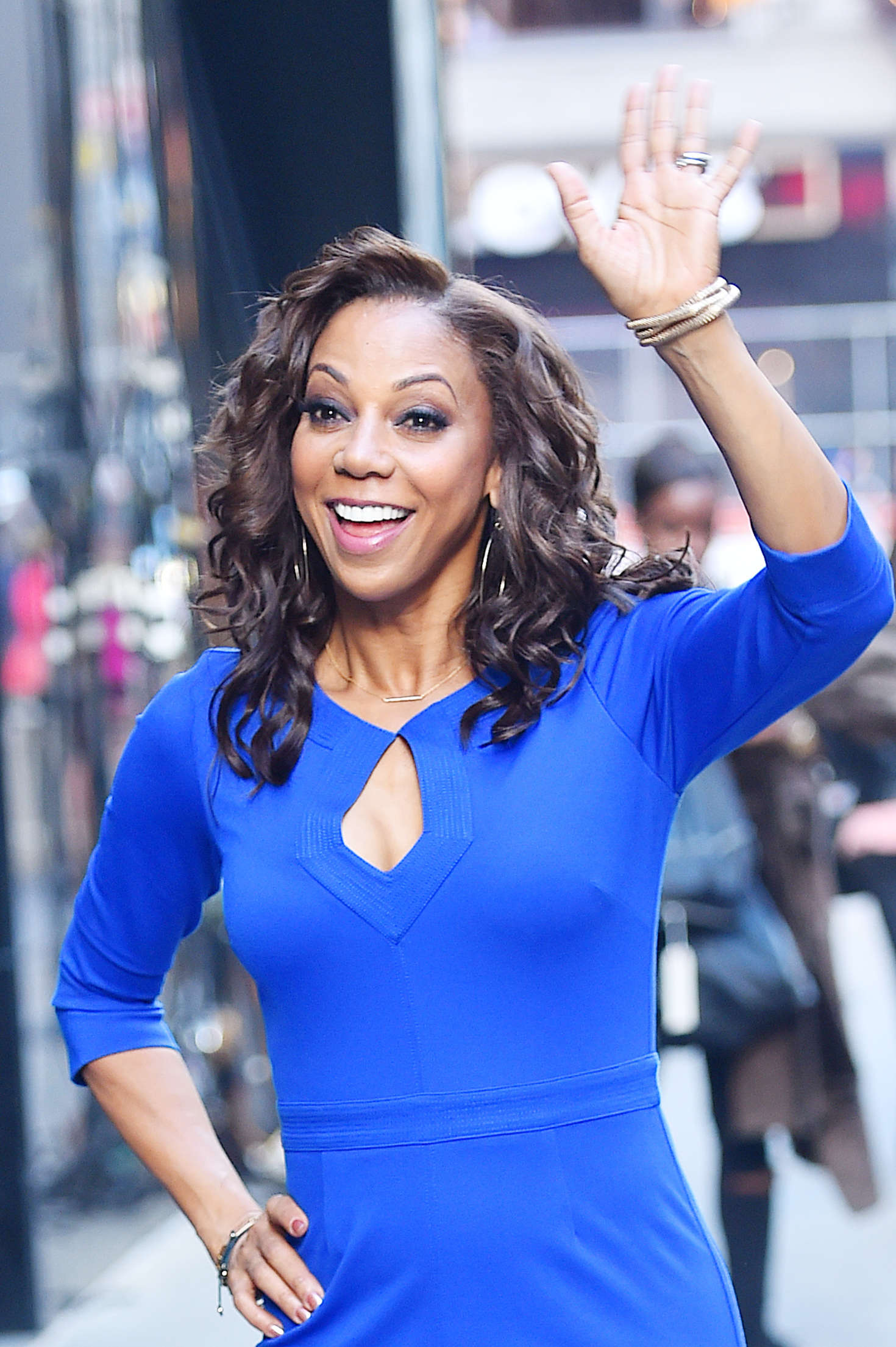Holly Robinson Peete Arrives At Good Morning America 03