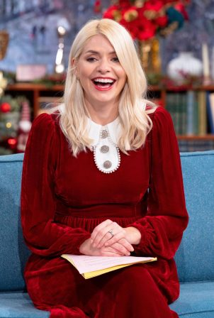 Holly Willoughby - Appearance at Christmas Special TV Show
