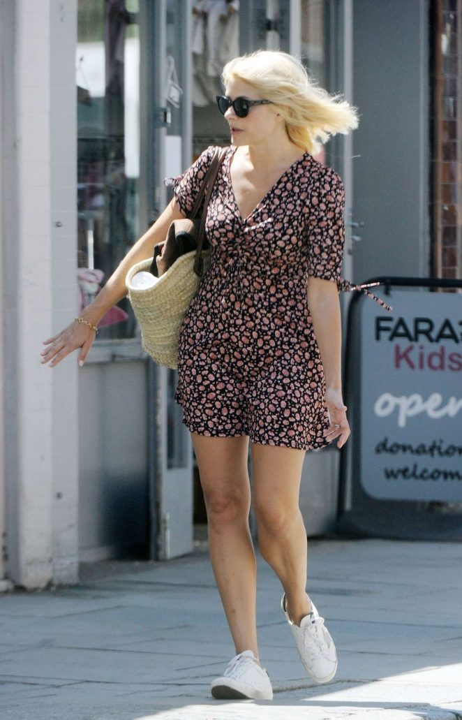 Holly Willoughby in Mini Dress – Out in London