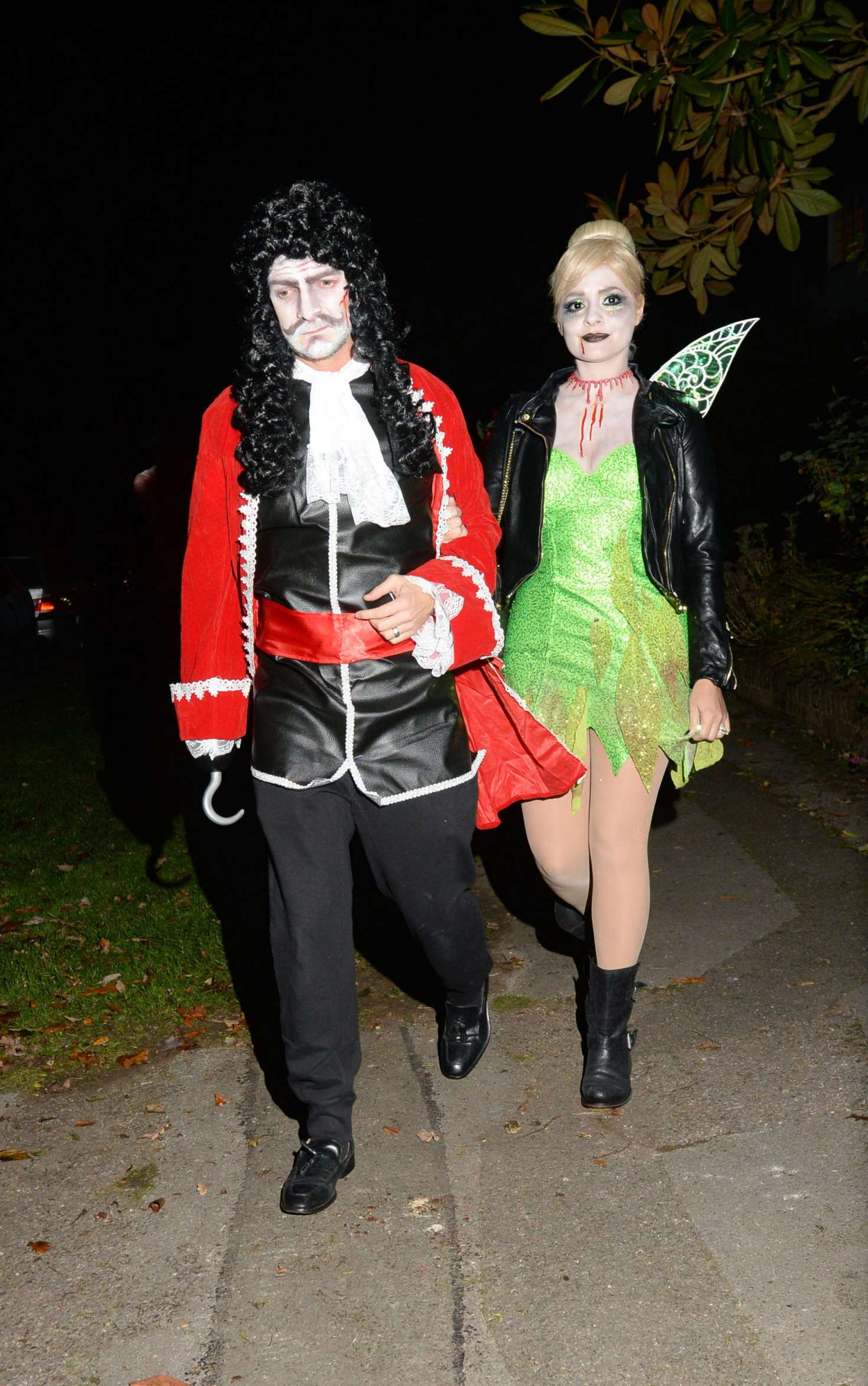 Holly Willoughby: Jonathan Ross Halloween House Party -01 - GotCeleb