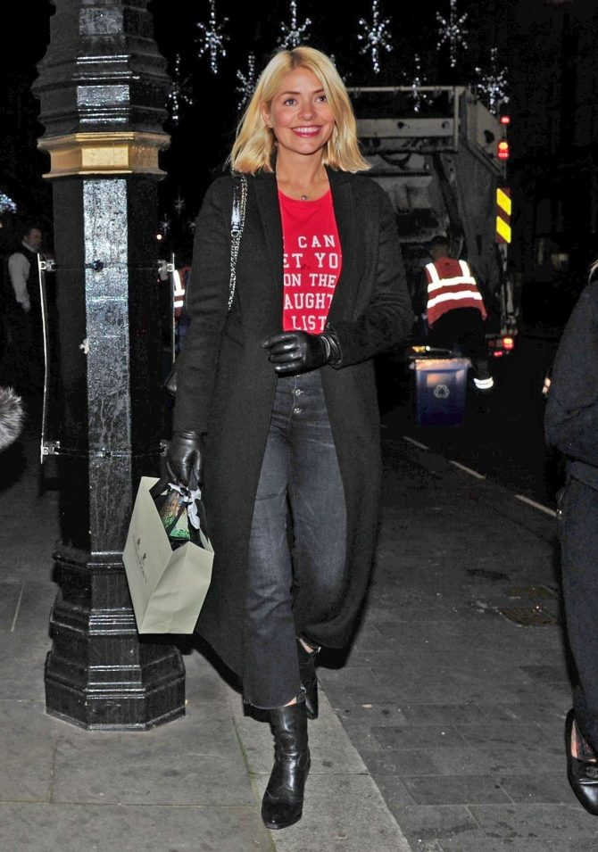 Holly Willoughby – Leaving Scott's Restaurant in London