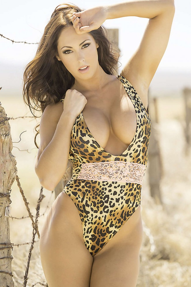Hope Beel – Fitness Gurls Magazine (March 2015)