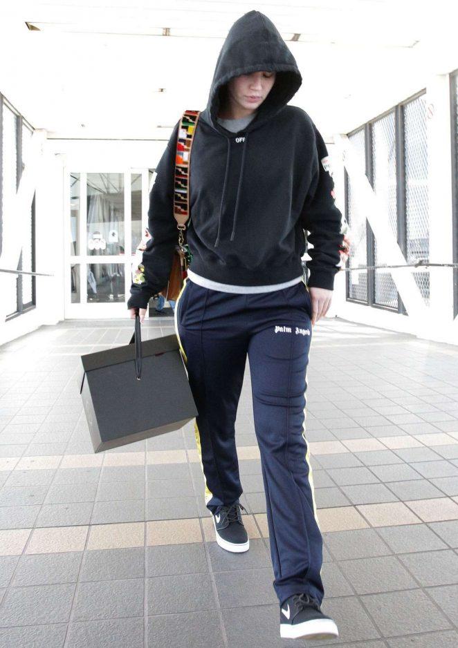 Iggy Azalea - Arrives at LAX International Airport in LA