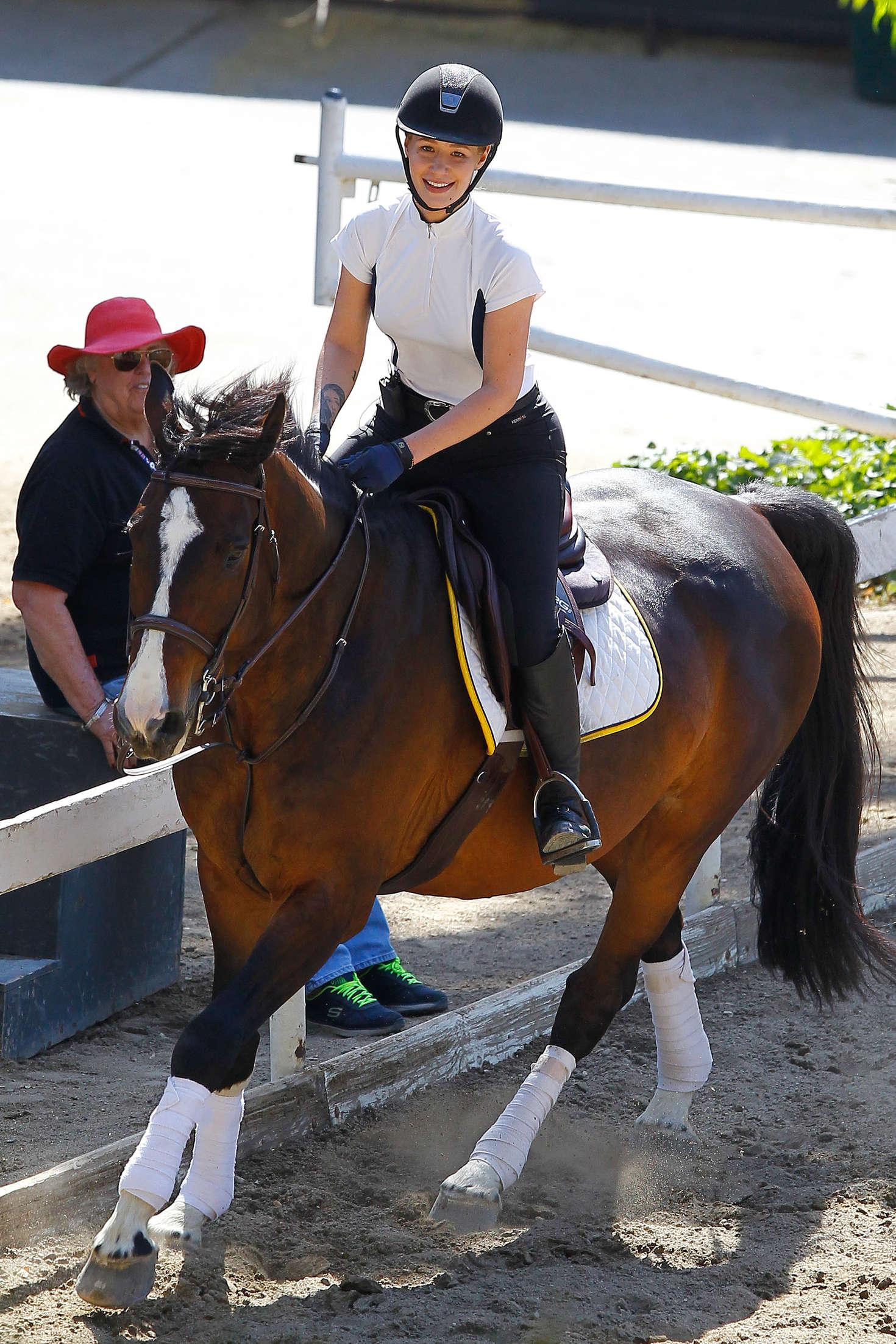 Iggy Azalea Horse Riding In Los Angeles Indian Girls