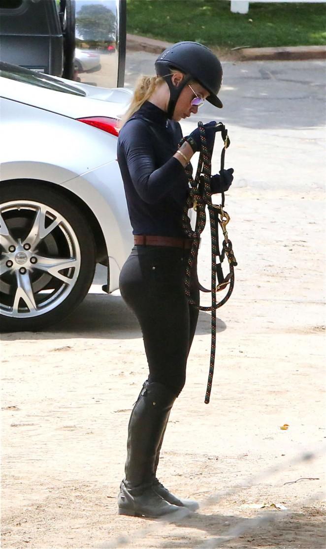 Iggy Azalea - Horseback Riding in Los Angeles