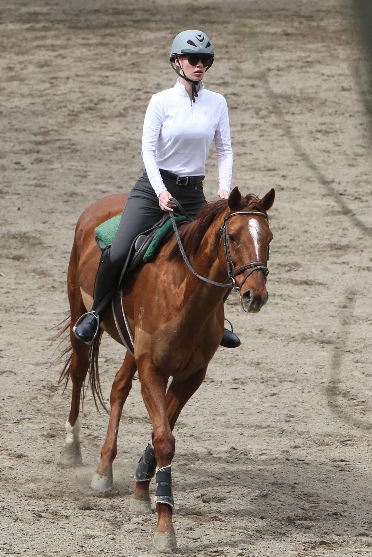 Back to FULL gallery Iggy Azalea – Horseback riding lesson in LA Gwen Stefani