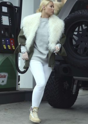 Iggy Azalea in White Jeans at gas station in Calabasas