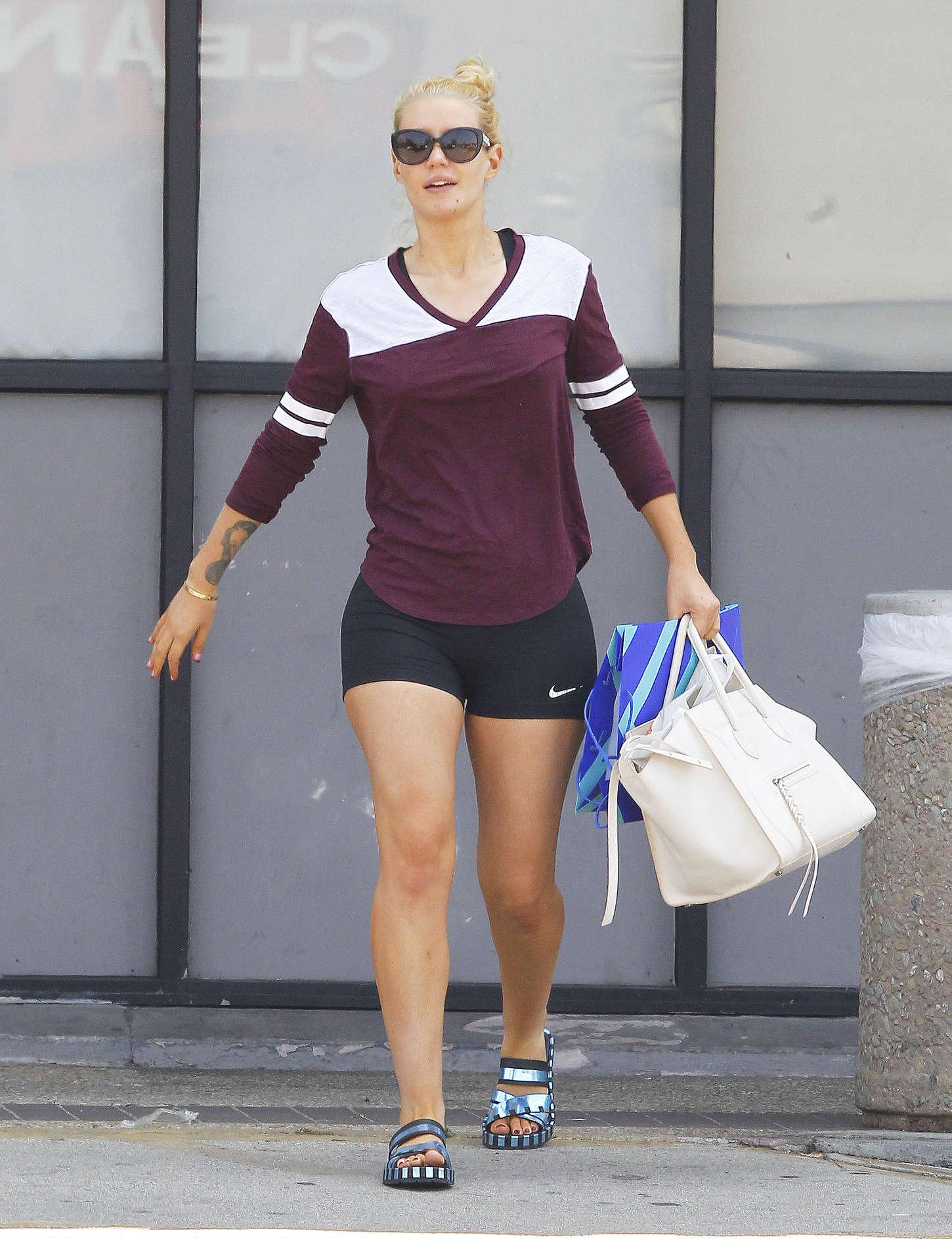 Iggy Azalea 2015 : Iggy Azalea in Shorts -01