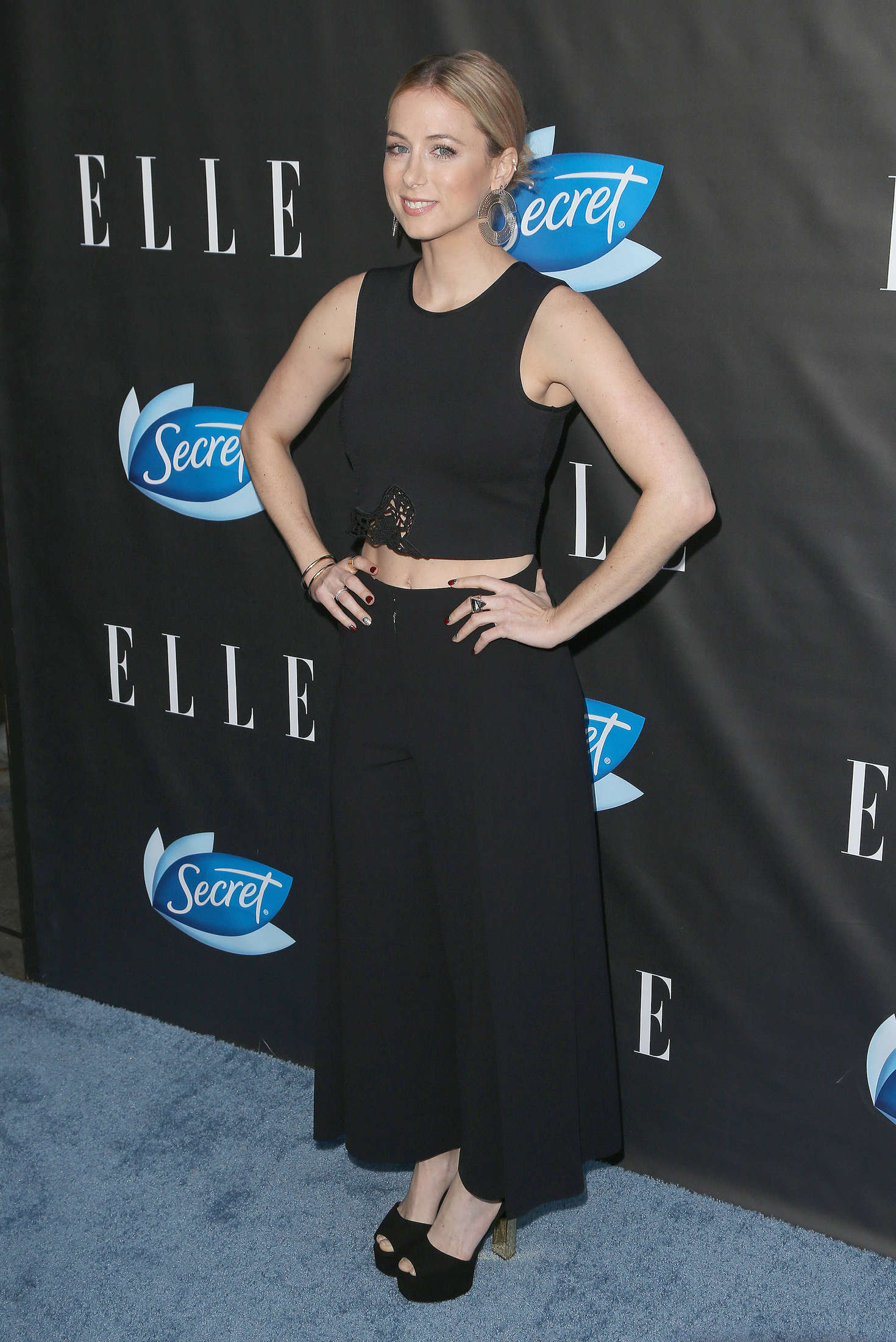Iliza shlesinger elle hosts women in comedy event 03 for Le elle apartments west hollywood