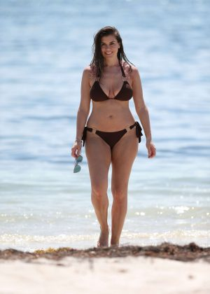 Imogen Thomas in Bikini on the beach in Miami