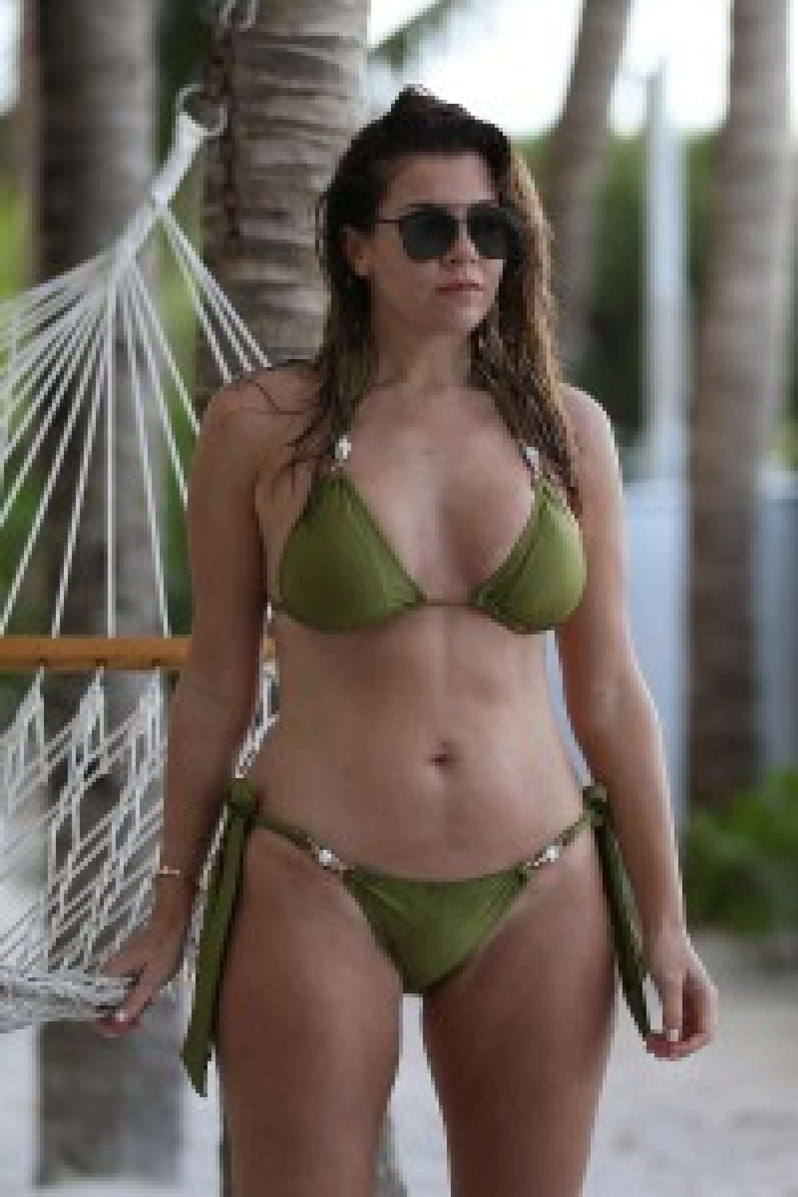 Imogen Thomas in Green Bikini in Miami