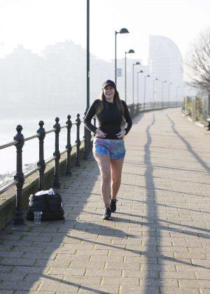 Imogen Thomas Joggings at Battersea Bridge