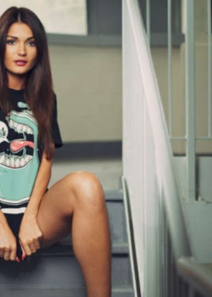 India Reynolds - Growl & Grandeur Clothes Photoshoot 2015