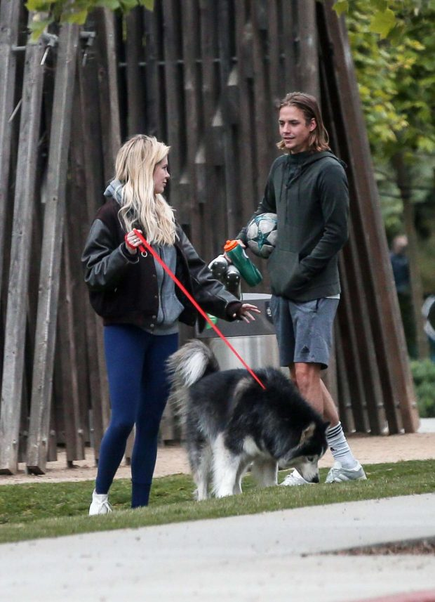Ireland Baldwin and Corey Harper: Leaving a park with her dog -10