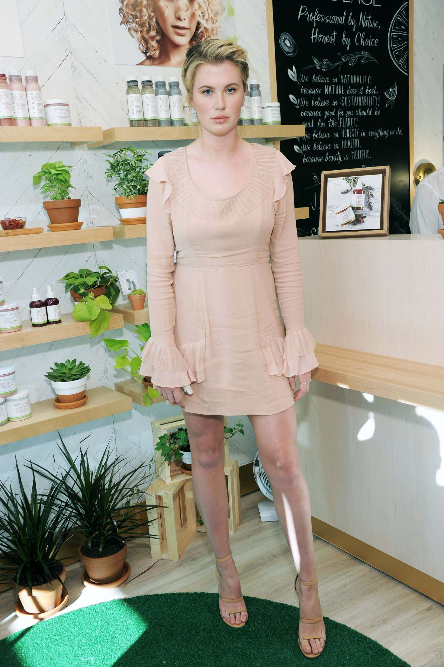 Ireland Baldwin 2017 : Ireland Baldwin at the Biolage RAW Styling Naked Touch Experience -06