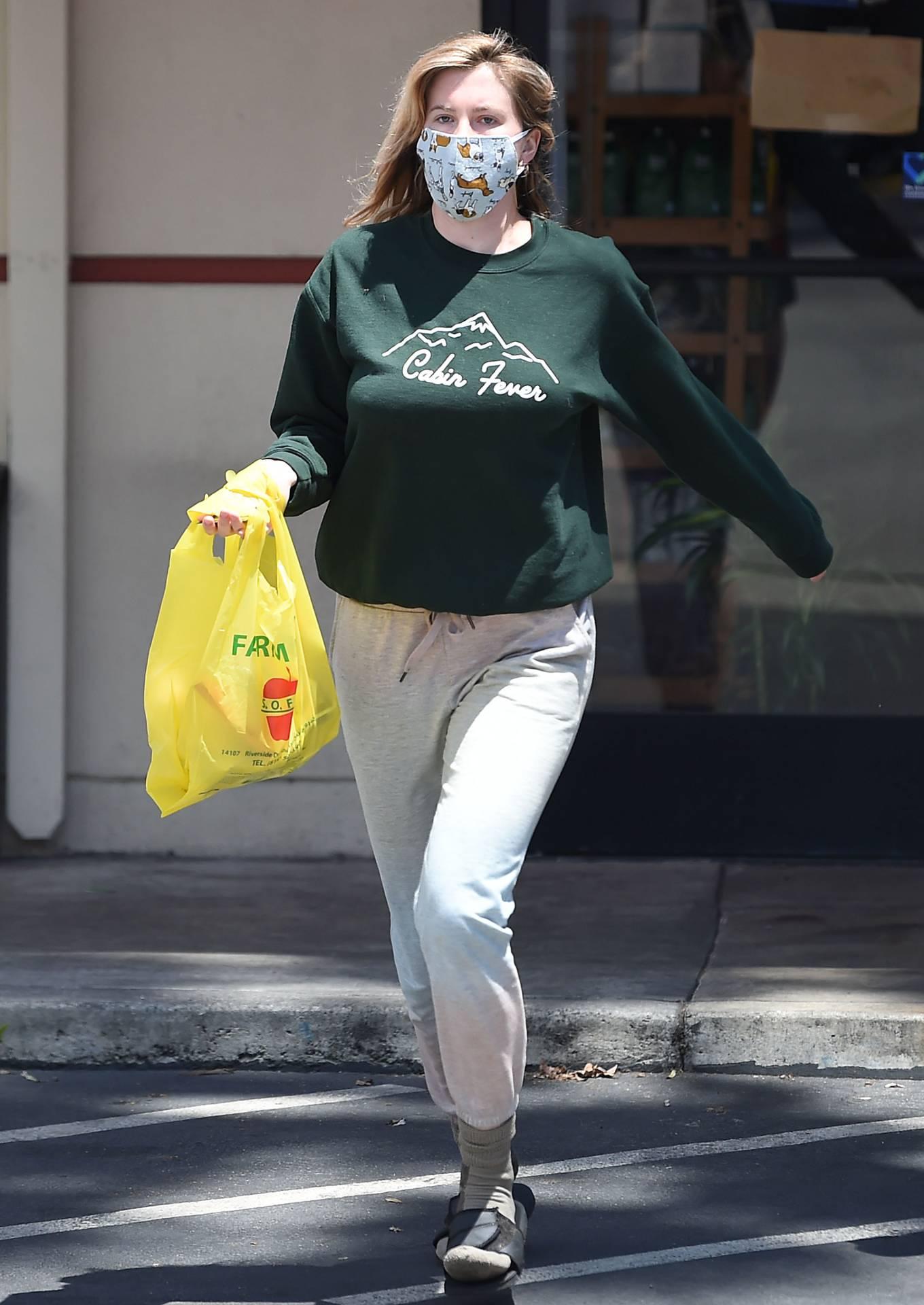 Ireland Baldwin - Grocery Shopping in Los Angeles