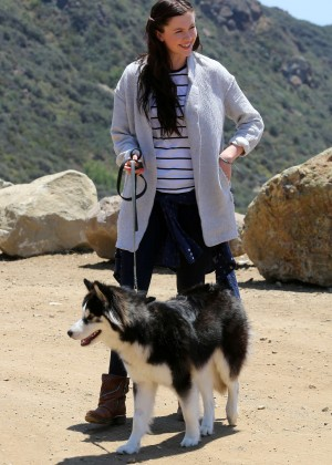 Ireland Baldwin - Hike with her dog in Malibu