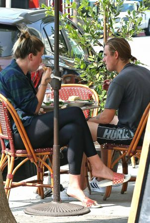 Ireland Baldwin - Out for breakfast with boyfriend in Studio City