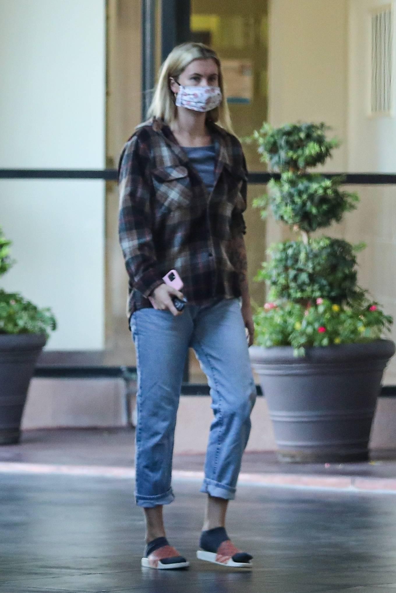 Ireland Baldwin 2020 : Ireland Baldwin – Wears plaid shirt in Beverly Hills-04