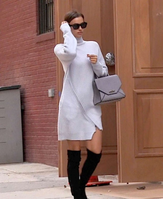 Irina Shayk - Arrives at her Apartment in NY