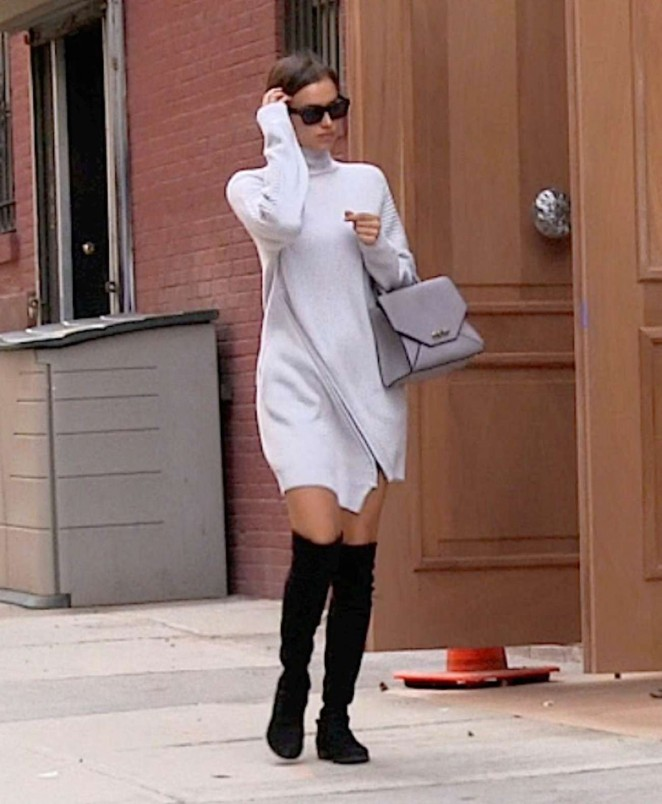 Irina Shayk: Arrives at her Apartment -04
