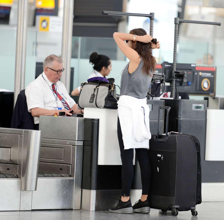 Irina Shayk 2015 : Irina Shayk in Leggings at Heathrow airport -03