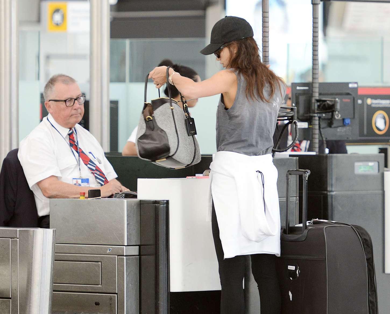 Irina Shayk 2015 : Irina Shayk in Leggings at Heathrow airport -06