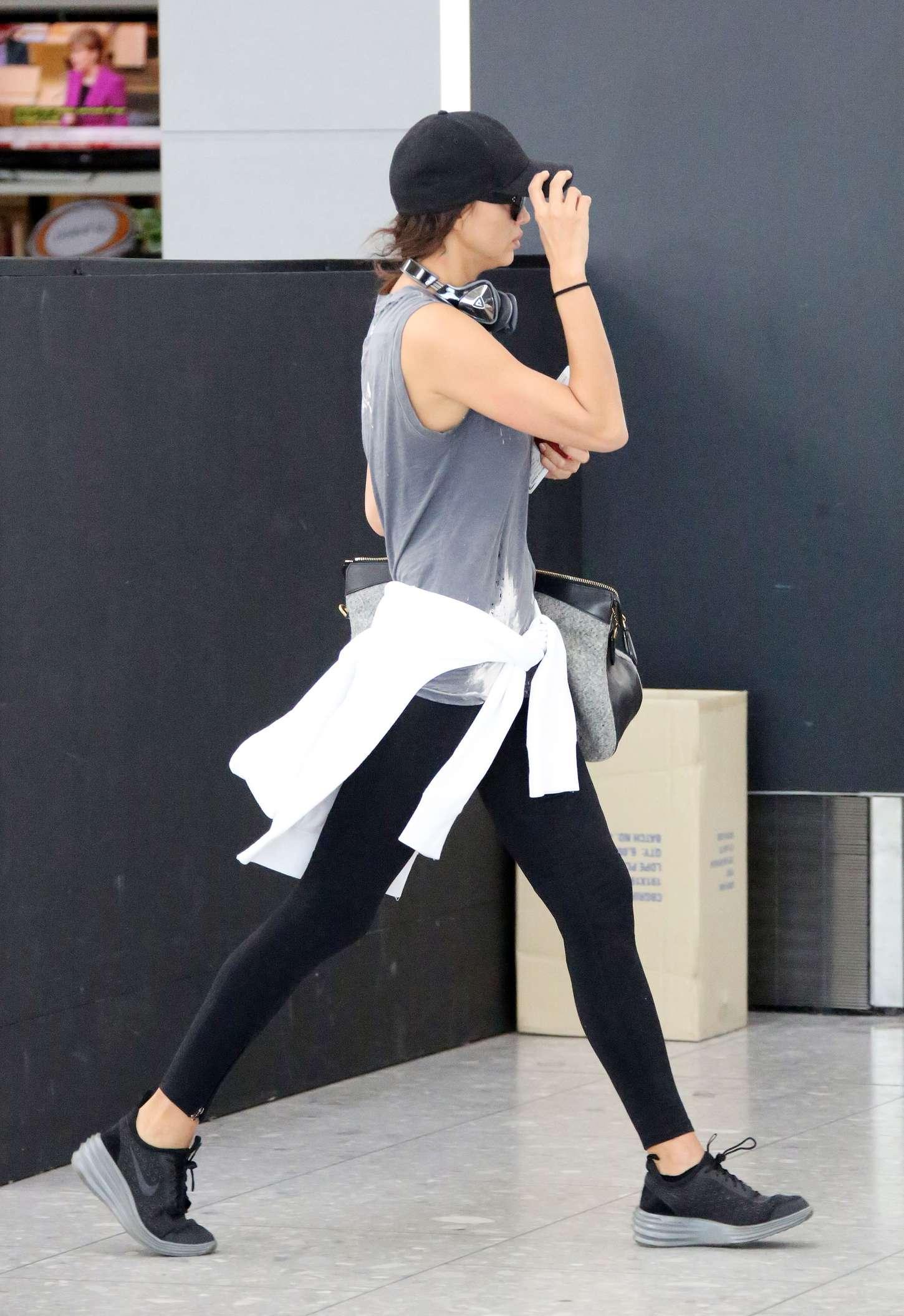 Irina Shayk 2015 : Irina Shayk in Leggings at Heathrow airport -07