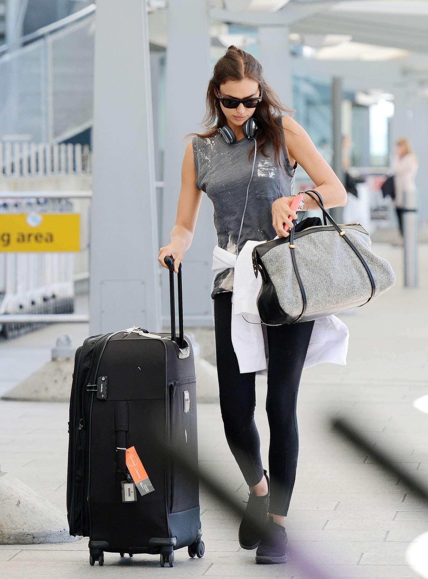Irina Shayk 2015 : Irina Shayk in Leggings at Heathrow airport -09