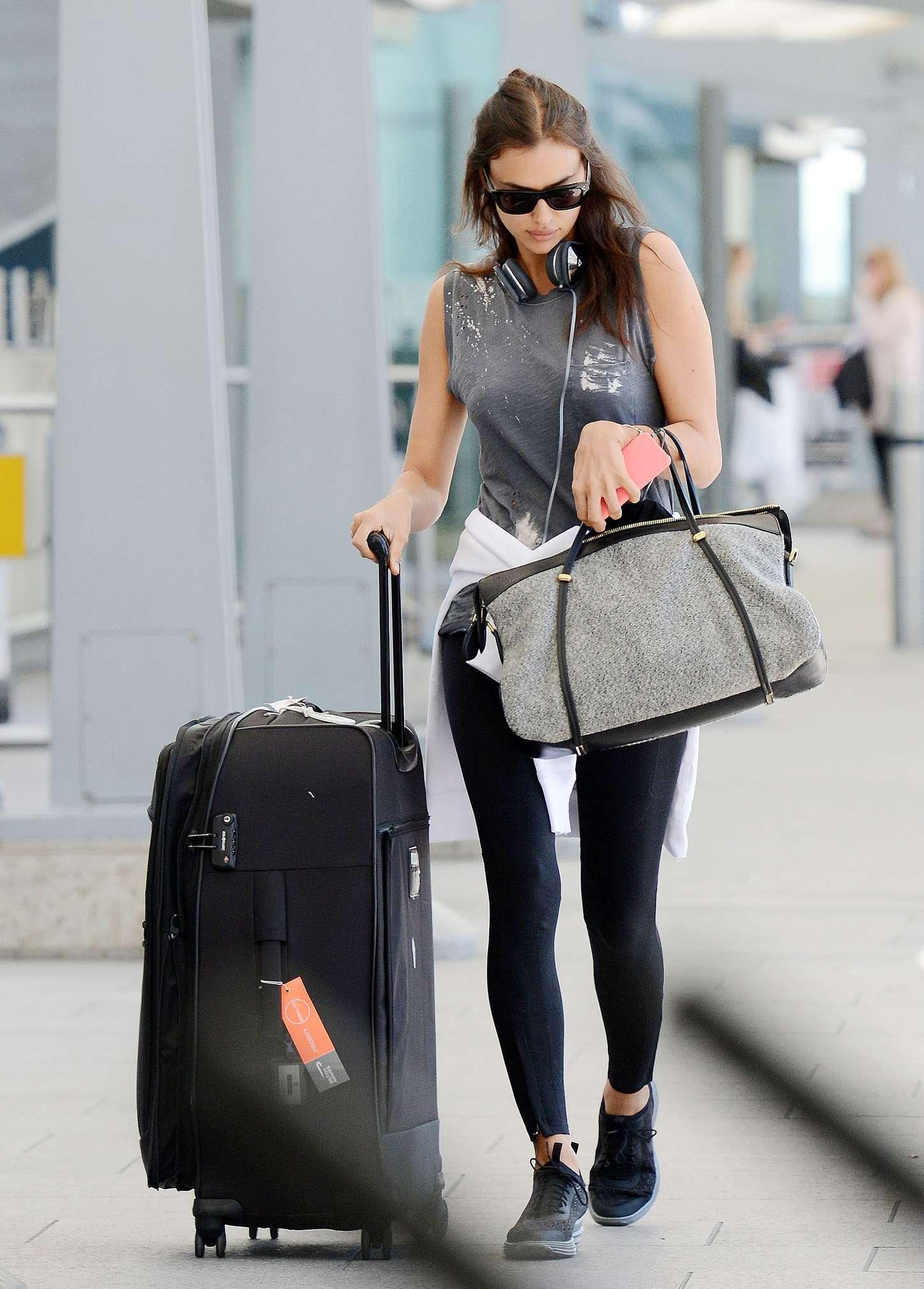 Irina Shayk 2015 : Irina Shayk in Leggings at Heathrow airport -10