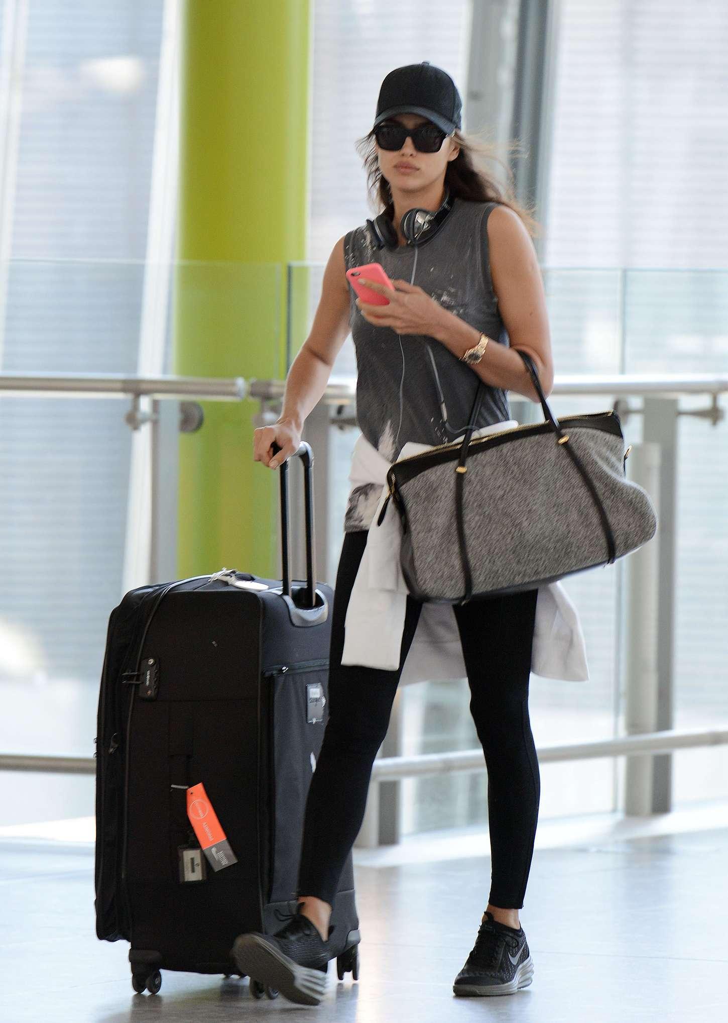 Irina Shayk 2015 : Irina Shayk in Leggings at Heathrow airport -11